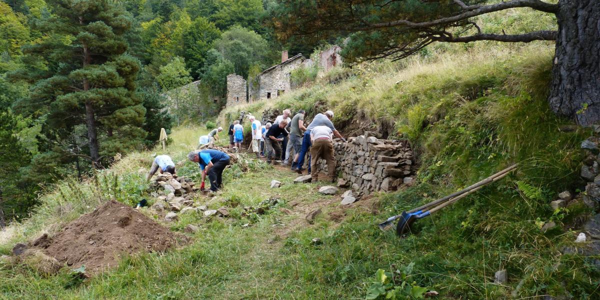 JEP 2018 à la Pinosa : reconstruction d'un mur en pierre sèche / SMCGS